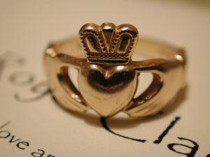 Claddagh anello