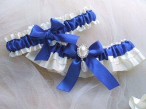 giarrettiera colore blu sposa